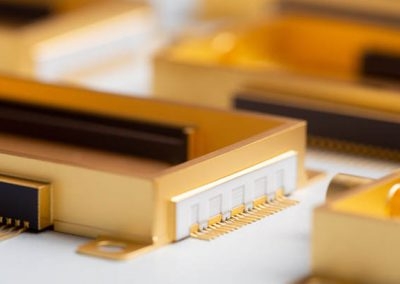 Gold-box photonic package