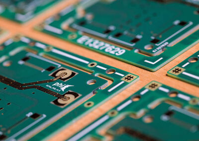 printed circuit board for photonic packaging